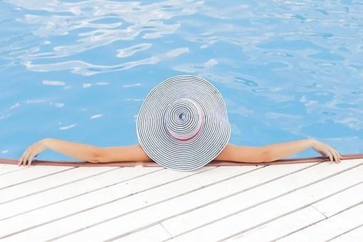 pool-690034__340.jpg