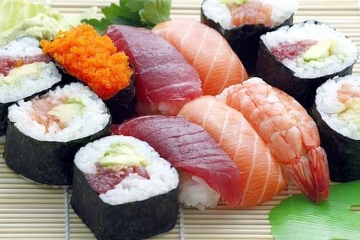 sushi-354628__340.jpg